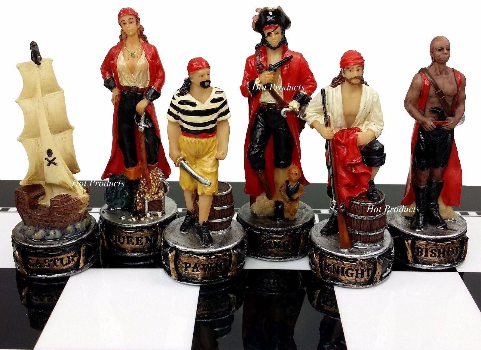 Pirates Vs Royal Navy Pirate Chess Uomo Set - NO BOARD