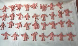 1980-s-Vintage-Lot-of-34-M-U-S-C-L-E-Men-Flesh-Color-Figures-Mattel