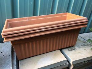 A-40cm-wide-plastic-pot