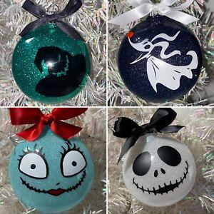 1 Nightmare before Christmas round ornament