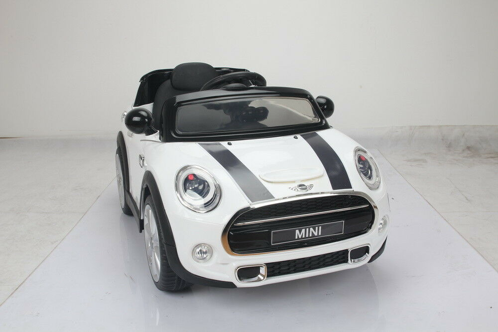 LICENSED MINI HATCH RIDE ON ON ON TOY  12V TWIN MOTORS 2.4G REMOTE-WHITE USB 08eb81