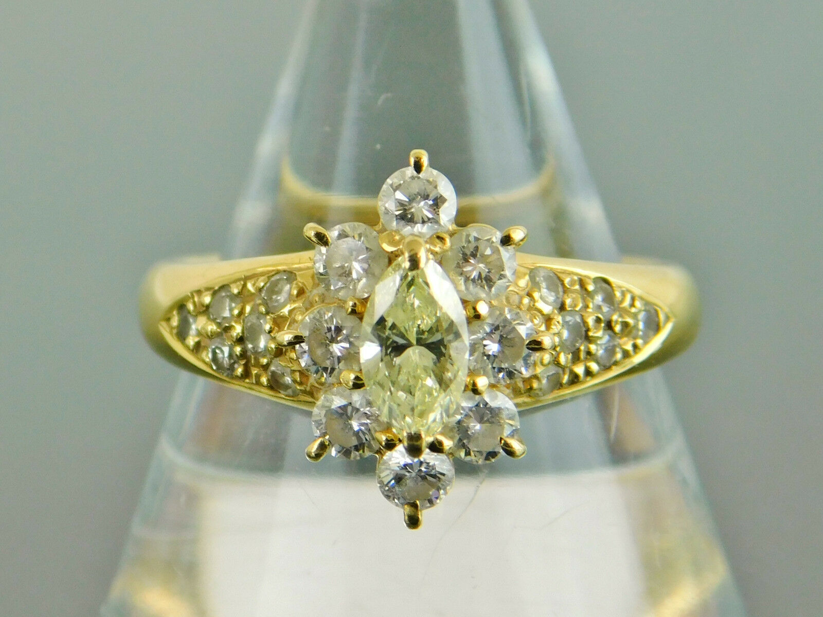 Genuine 0.58Ct Light Yellow Diamond 0.29Ct Natural Diamonds K18 Yellow gold Ring