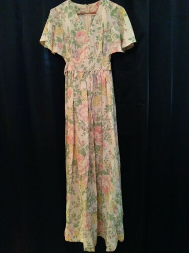 Vintage 1970s Light Pink Floral Prairie Dress