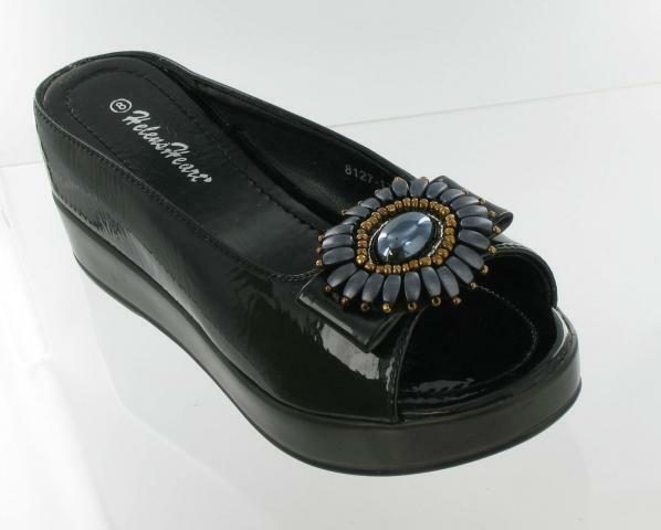 Black With Pewter Medallion Helens Heart Wedge
