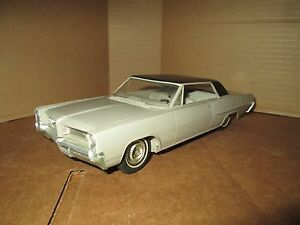 1964-pontiac-grand-prix-Dealer-Promo-DISPLAY-PIECE-looks-very-good-1-25-loose