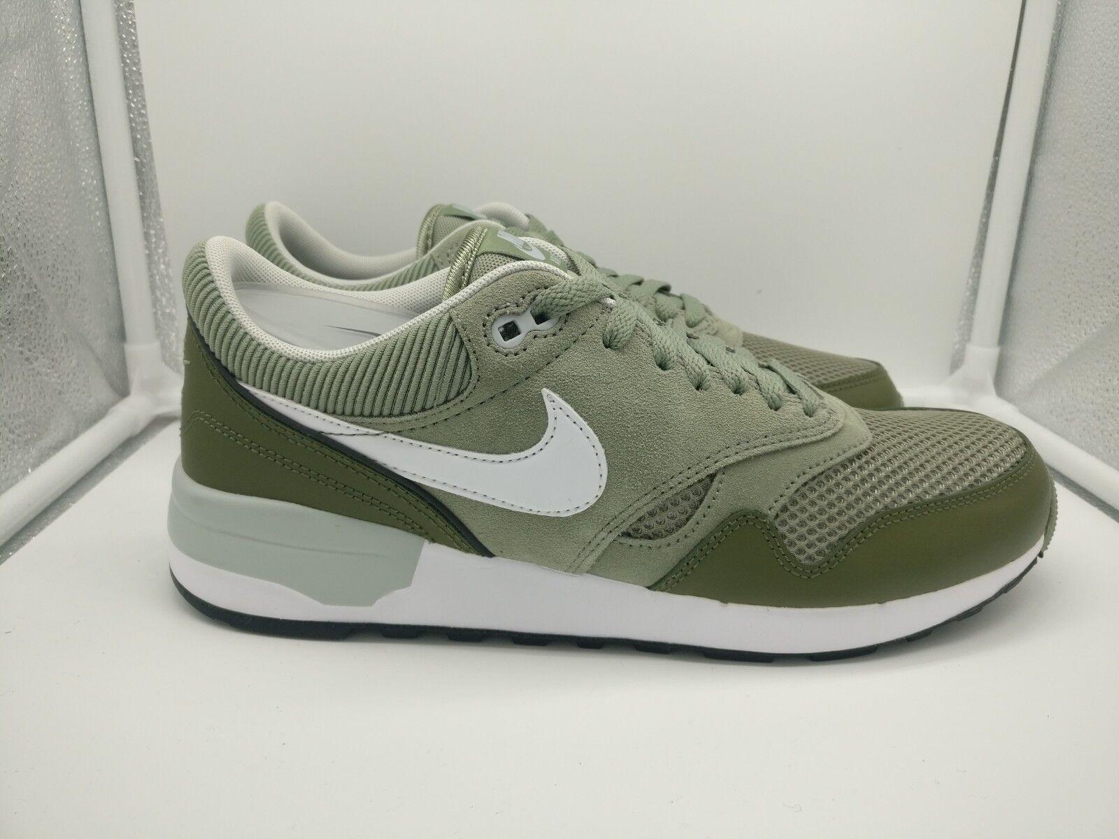 Nike Air Odyssey UK 7.5 Jade Stone Grün Weiß 652989-301
