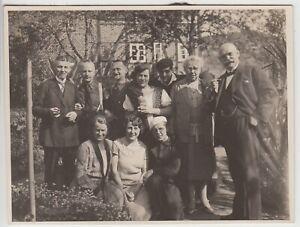 F30489-Orig-Foto-Gruppenbild-im-Garten-in-Polle-Weser-1929