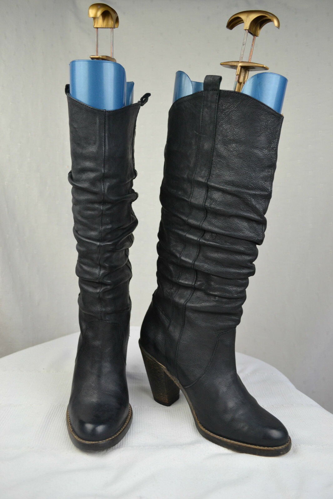 Boots Pleated Black Leather E-COW T 37 TOP CONDITION