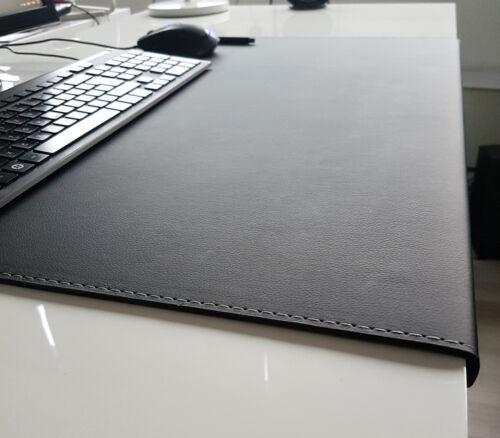 Gewinkelte Schreibtischunterlage Soft Lux Leder 90 x 47 Schwarz Silbergraue Naht