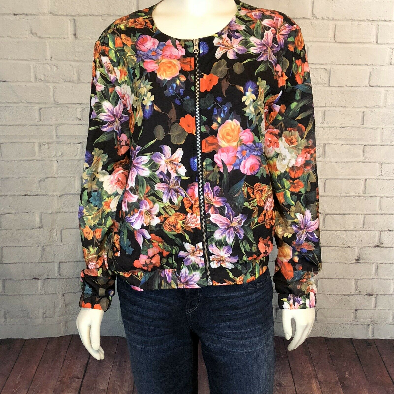 Baccini Floral Zip Up Jacket Light Wight Size M Travel Leisure Cruise Wear