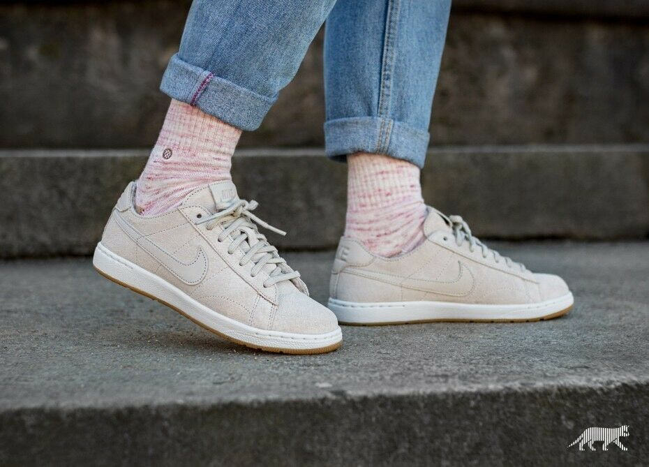 Femmes Nike Tennis Classic Ultra PRM Sherpa Pack Taille UK 5 EUR 38.5 749647 201