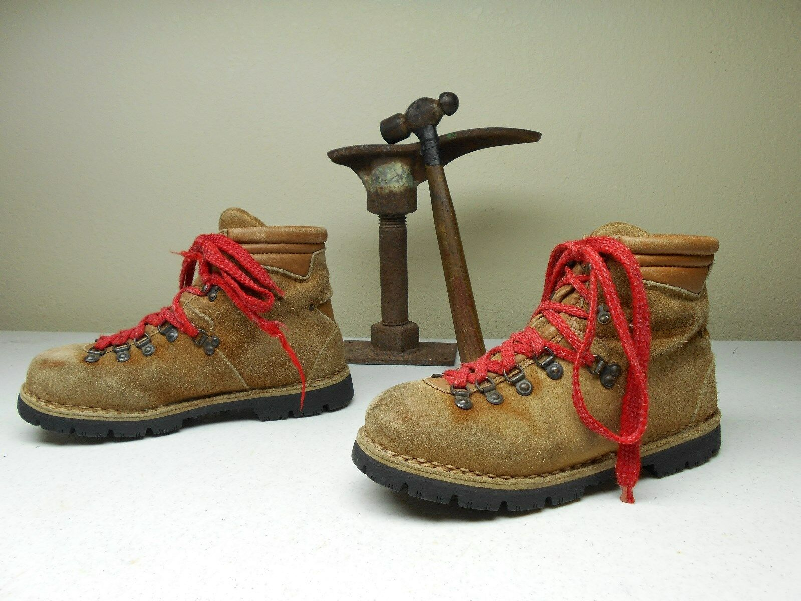 VINTAGE BROWN DISTRESSED GROUNDBREAKERS made in ITALY MOUNTAIN BOOTS 10/11 E