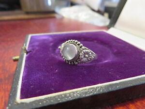 Huebscher-925-Silber-Ring-Jugendstil-Art-Deco-Vintage-Blume-Cabochon-Mondstein
