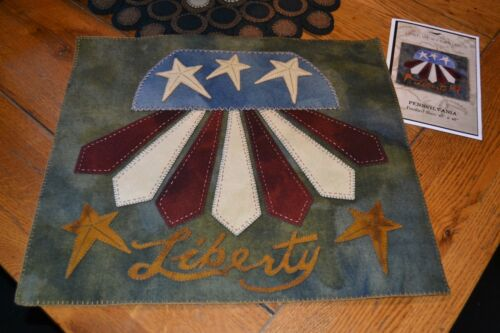 WOOL APPLIQUE PATTERN AMERICANA PENNY RUG RED WHITE BLUE *NEW* PENNSYLVANIA