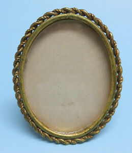 Antique Gold Gilt Metal Twisted Rope Border Oval Picture Frame