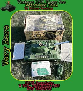 Vintage-Motorized-1960s-Deluxe-Reading-Tiger-Joe-US-Army-Tank-Toy-1960S-RC-W-BOX