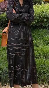 Robe en sergé de soie Totême