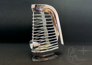 1965-Lincoln-Continental-Tail-Light-Bezel-C5VY13489A