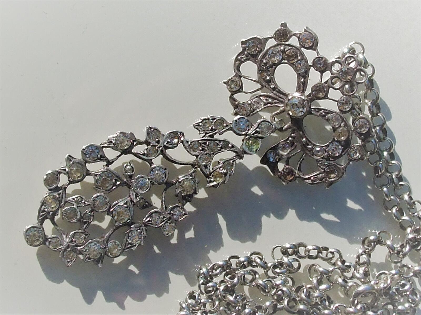 BEAU et GRAND PENDENTIF REGIONAL + CHAÎNE   ANCIENS MILIEU XIXème   En silver