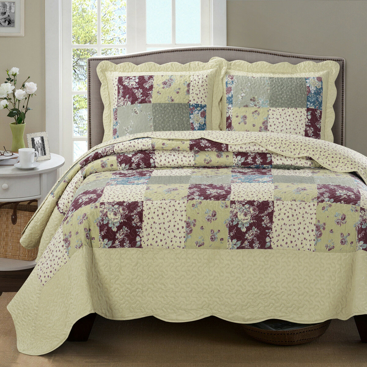 Luxury Tania OverGrößed Microfiber Coverlet Quilt Set with Pillow Shams