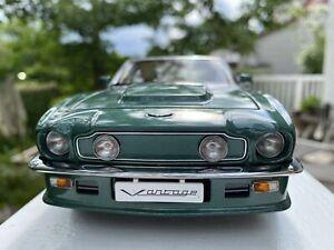 AUTOart-1-18-Aston-Martin-V8-VANTAGE-70224-by-RACEFACE-MODELCARS
