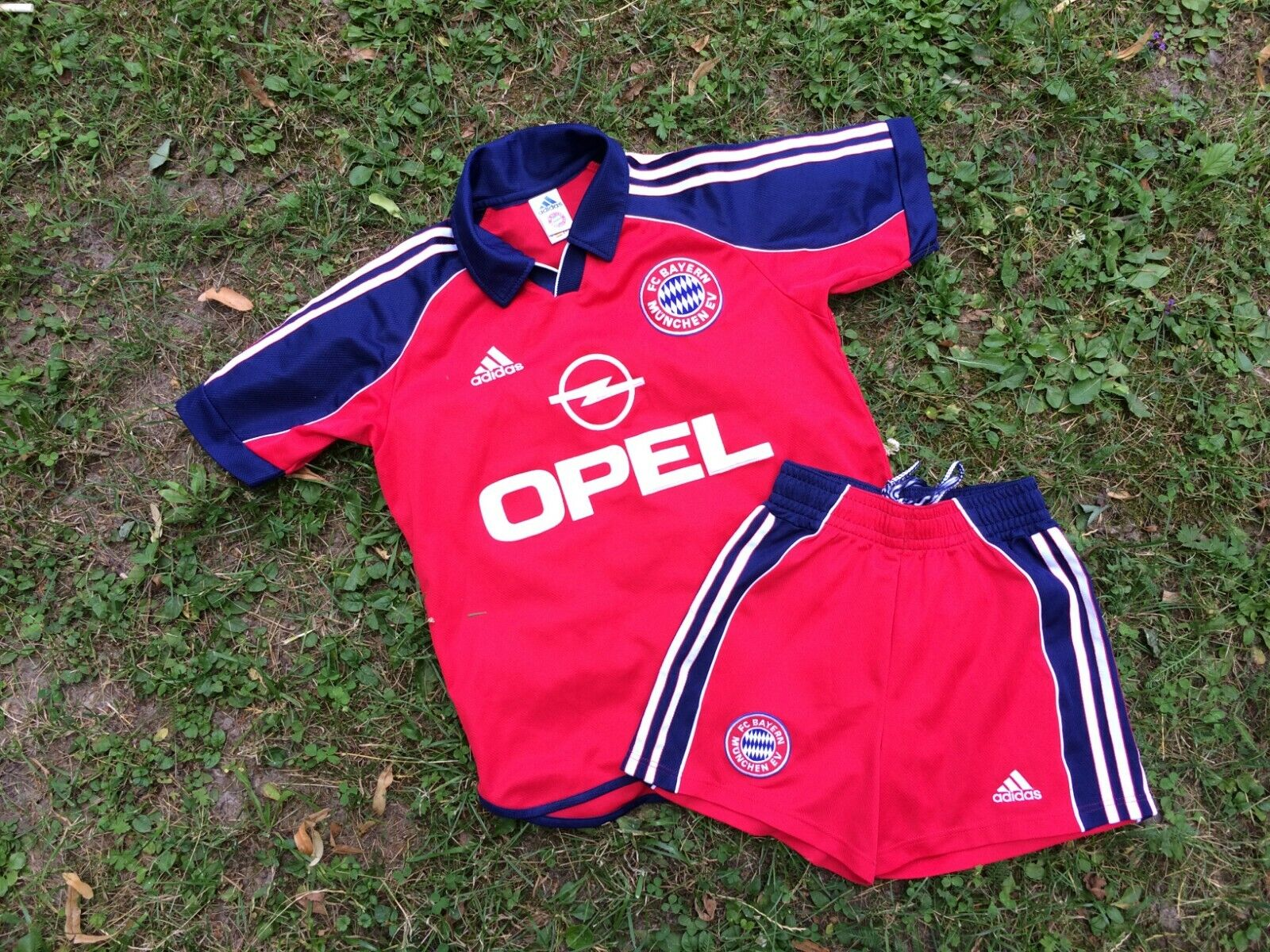 Bayern Munich Home football shirt 19992001 Suit XS Adidas Old Shorts Vintage