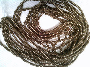 VTG 6 strands MELLOW BRASS GLASS ROUND SEED BEADS 11//0 #071418n