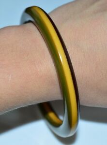 VTG-Butterscotch-Yellow-Brown-Green-Layered-BAKELITE-Tested-Bangle-Bracelet