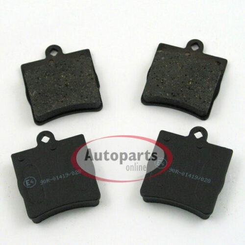 Bremsbeläge Bremsklötze mit Warnkontakt vorne hinten Mercedes CLK C208 A208