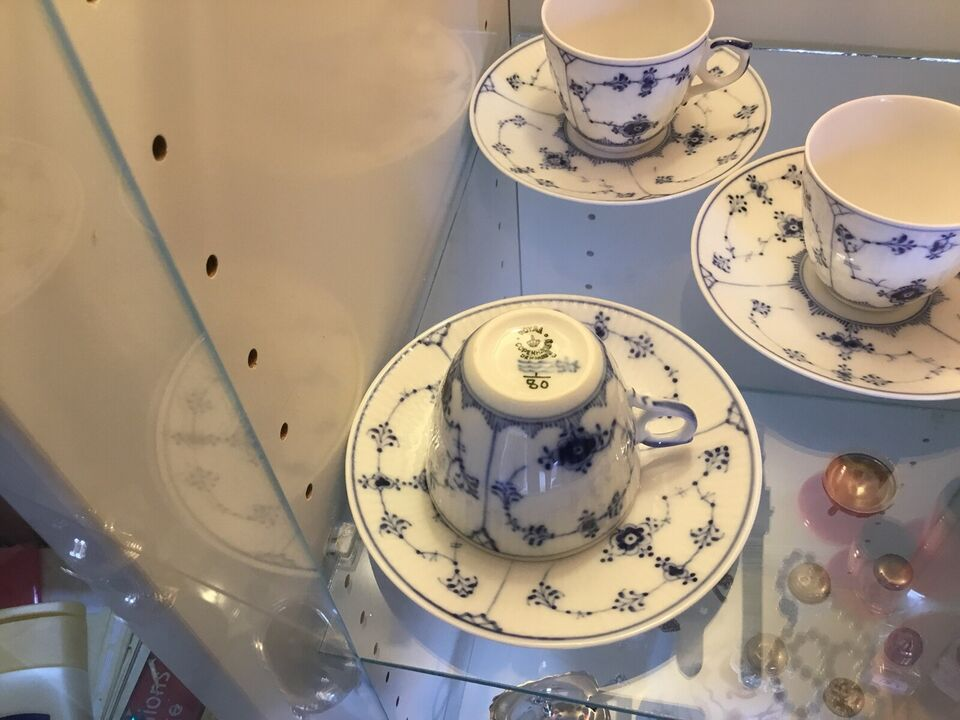 Porcelæn, Kop og underkop, Royal Copenhagen Musselmalet