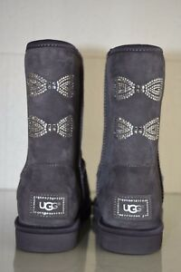 a70d2f719b3 Details about New UGG Uggs Classic Short SWAROVSKI CRYSTAL Bow Boots Purple  Gray Shoes 9 RARE