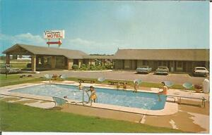 ag-G-Perry-GA-Villager-Motel-showing-Vintage-Cars