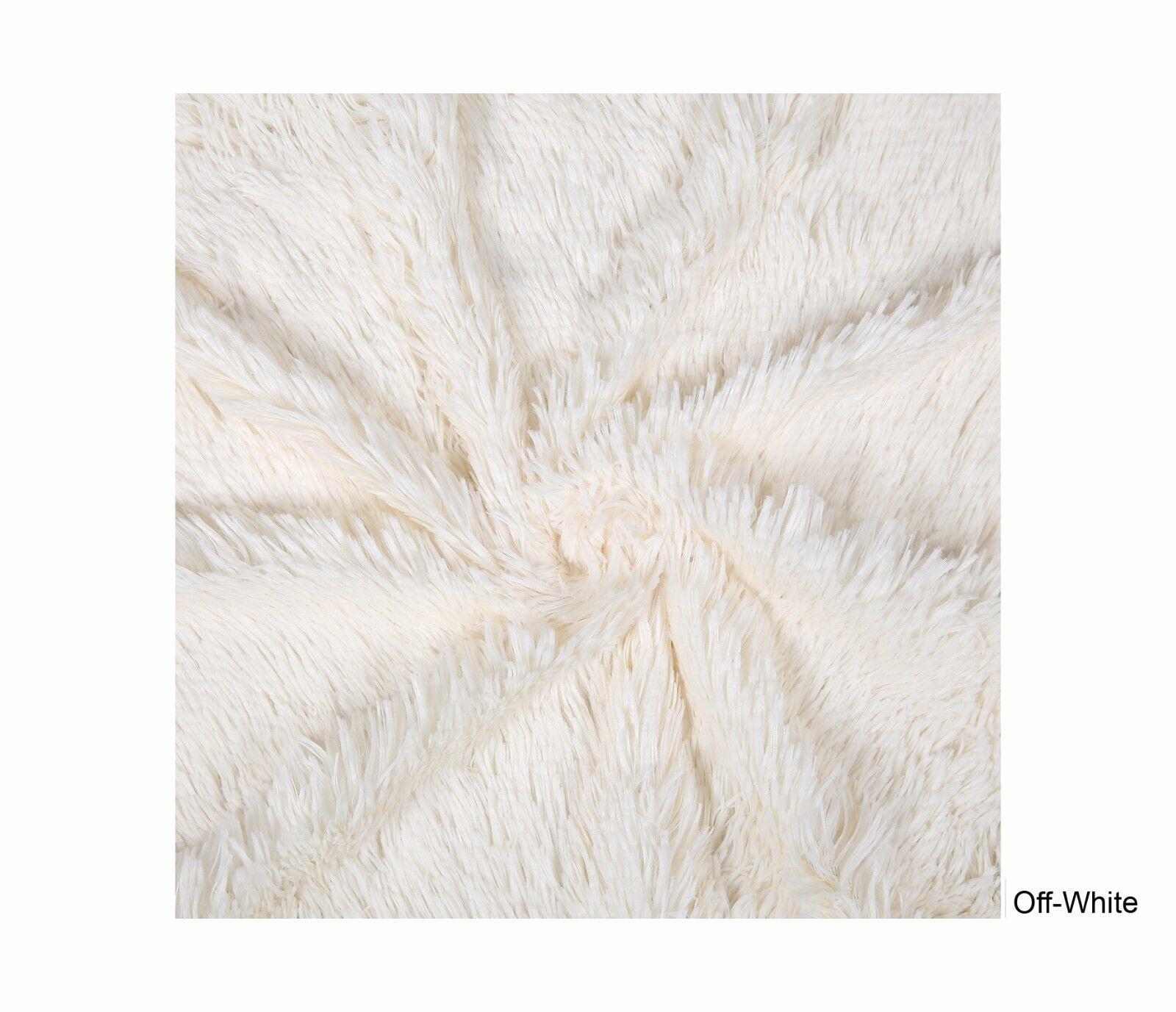 Tissu Fausse fourrure Vegan type poils mouton longs Photo bébé décoration.