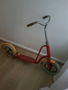 Vintage-Push-Scooter