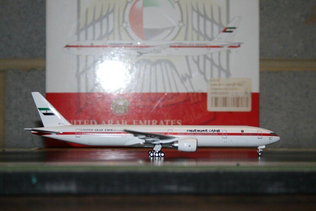 Phoenix 1 400 United Arab Emirates Boeing 777-300ER A6-SIL (PH10464) Modell Plane