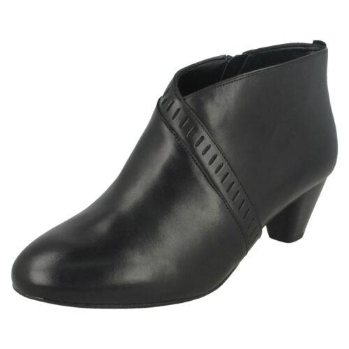 de y de cremallera cuero Clarks Botines botines de tacón detalles con Negros Frances Insdie Denny con 1Bq7xpF