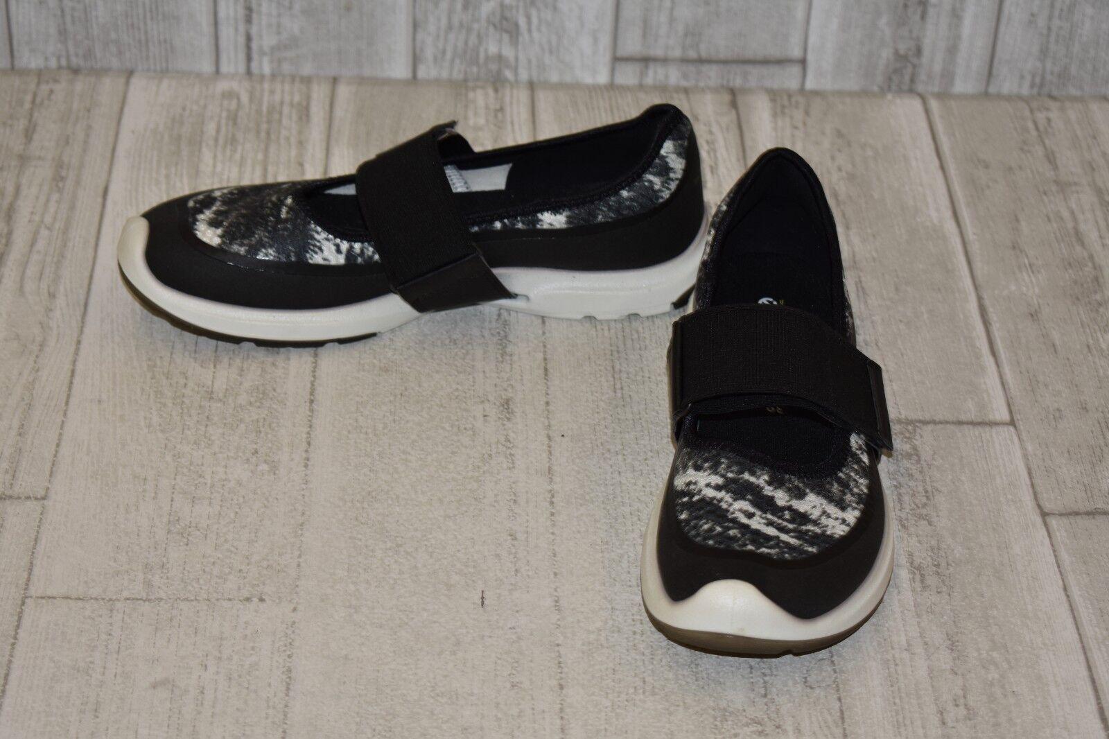 ECCO Biom Amrap Mary Janes, Women's Size 8-8.5, Black Black Black White cbe7c7