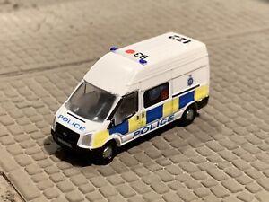 N-Gauge-Transit-Van-della-polizia-auto-BTP-Code-3-Oxford-Diecast-1-148-in-scatola