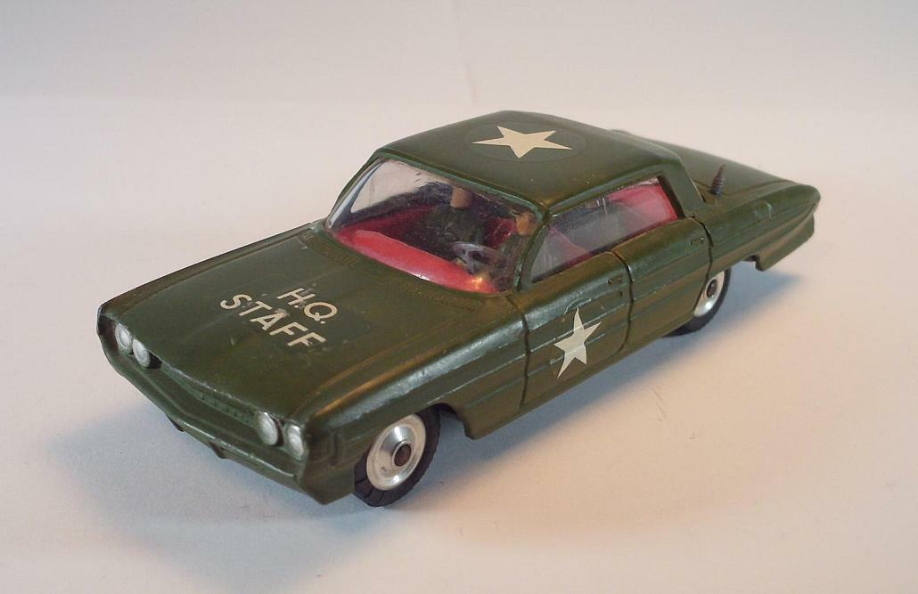 Corgi Toys 358 Oldsmobile Super 88 H.Q. staff US Army Military O. Antenna