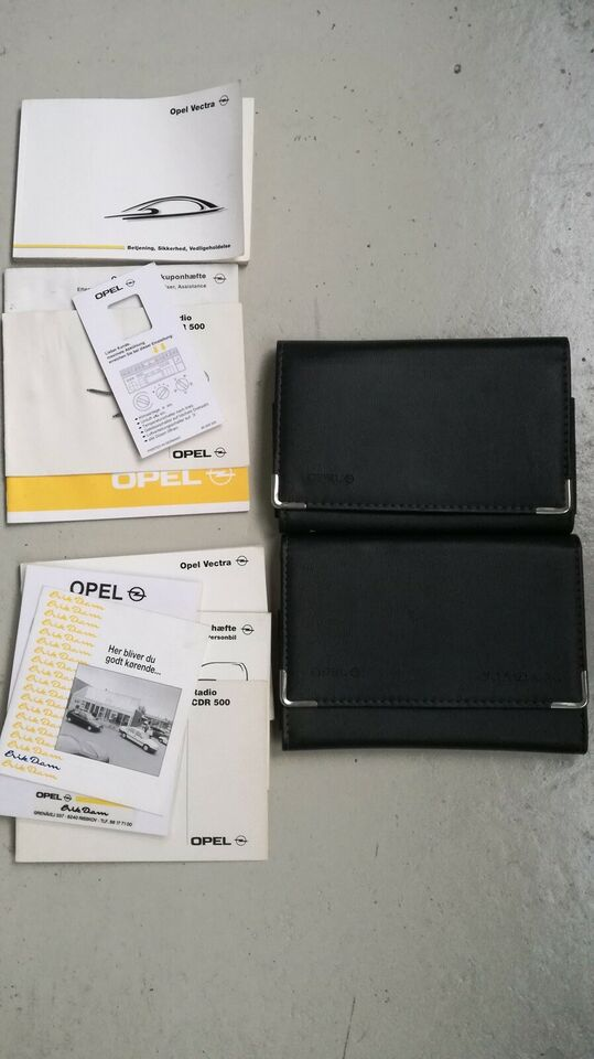 Opel instruktionsbøger til opel vectra b 2 stk....
