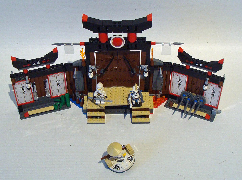 prezzi più bassi LEGO ® Ninjago 2504-Spinjitzu centro di addestramento 7-14 anni anni anni Usato USED  liquidazione