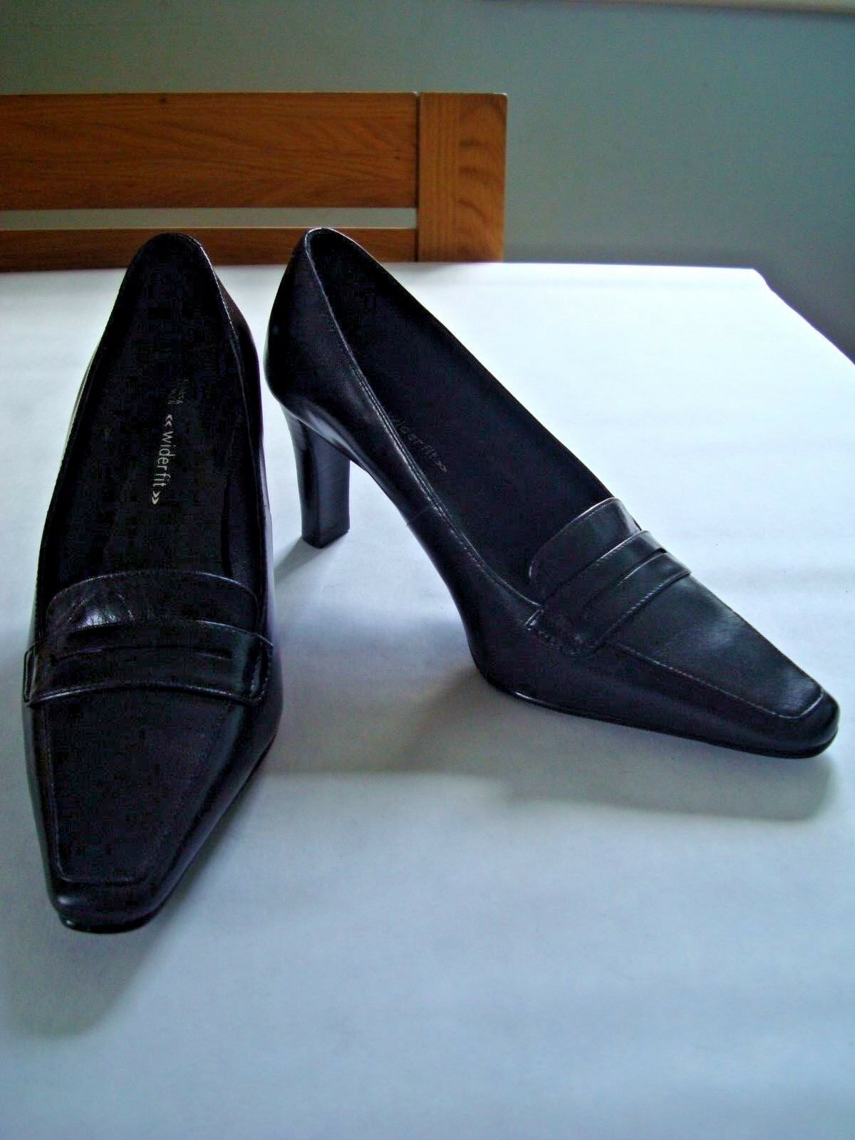 M&S WIDER FIT BLACK LEATHER HIGH HEELED COURT SHOES, SIZE UK 3   EUR 35.5 - NEW