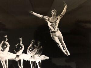Rudolf-Noureev-1969-Stills-Photo-d-Art-Grand-Format-Danseur-Danse-Photographie-3