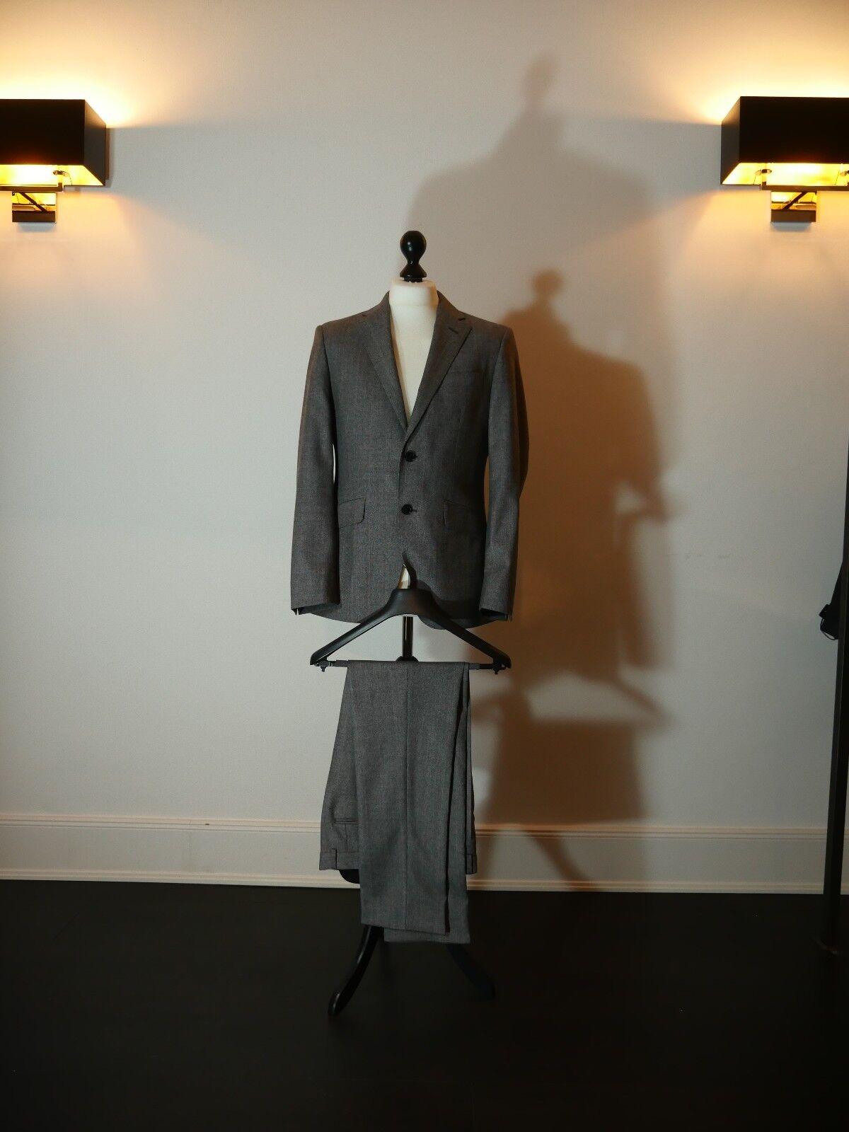 d7eb87ab8 ... Schurwolle Anzug Woven in Napoli 100% Schurwolle Größe 48 48 48 1c0b68  ...