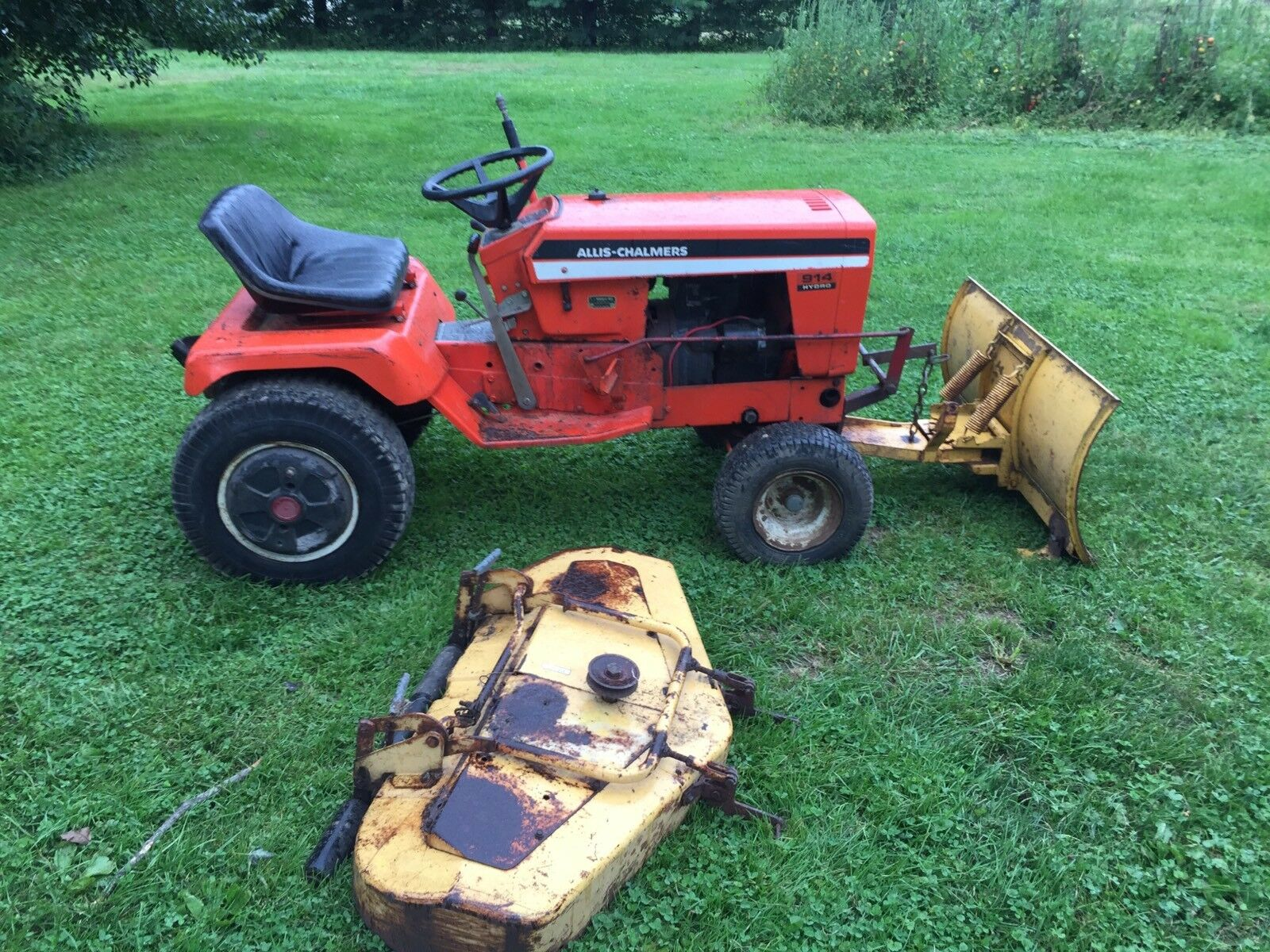 Simplicity 914H Garden Tractor Mower Kohler- Delivery Available