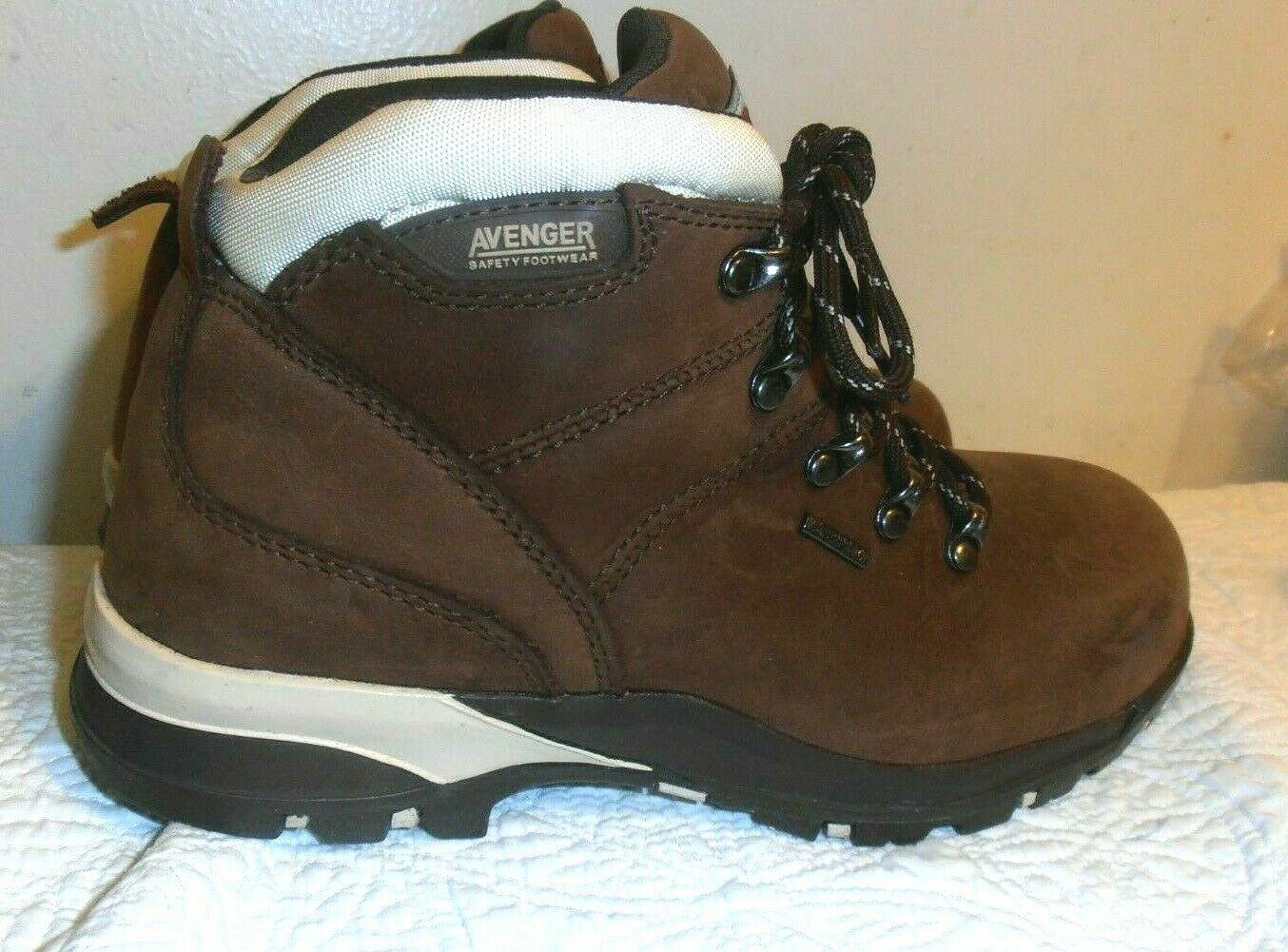 Avenger Women's Composite Toe Hiker Size US 8 M Waterproof Leather Boots A7156