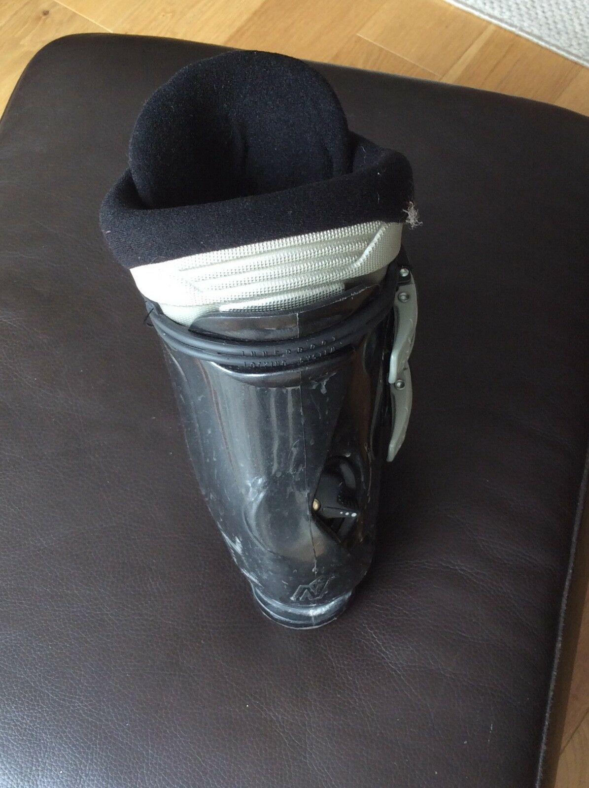 Nordica gents ski boots size, 8 good condition, rarely worn