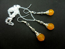 A  YELLOW JADE  NECKLACE AND   EARRING SET. NEW.