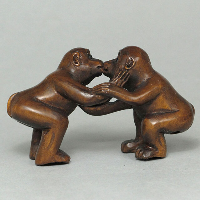 "1940's Japanese handmade Boxwood Netsuke ""Two lovely Monkeys"" Figurine Carving"