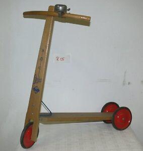 Holzroller-kinderroller Gefertigt Nach 1945 Antikspielzeug
